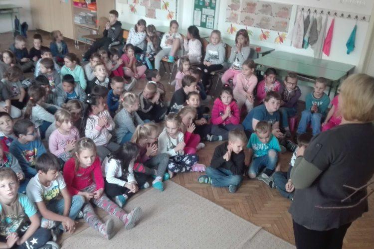 Egymillió Gyermek Imádkozza A Rózsafüzért 2018.
